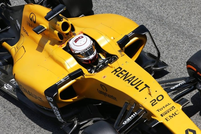 Kevin-Magnussen-2016-Spanish-GP-Renault-F1-Team.jpg