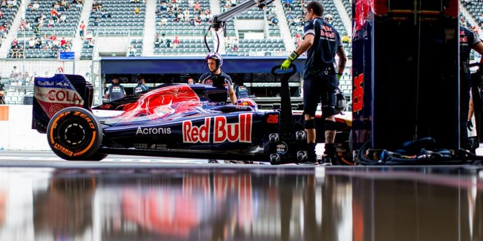 toro-rosso-photo-galleries-cov1