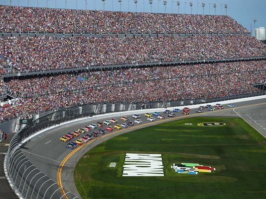 635980386329555389-USP-NASCAR--Daytona-500