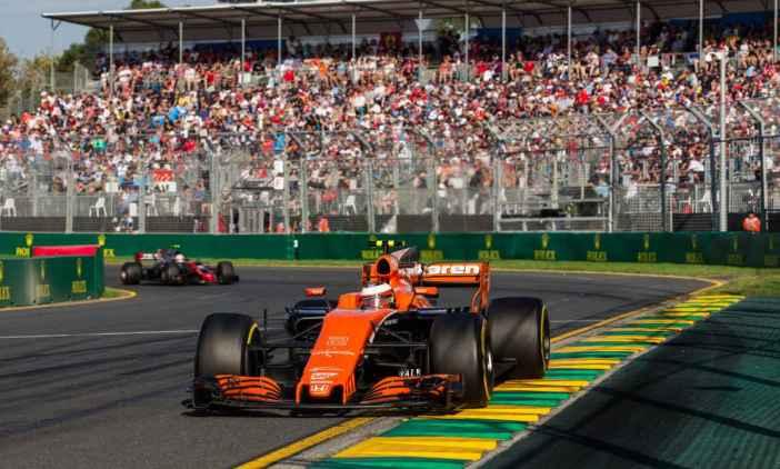 Vandoorne - McLaren - Australia 2017.jpg